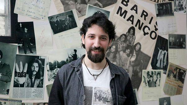 Video: Barış Manço'nun ölümünün 21. yıl dönümü: Oğlu Batıkan babasını anlattı