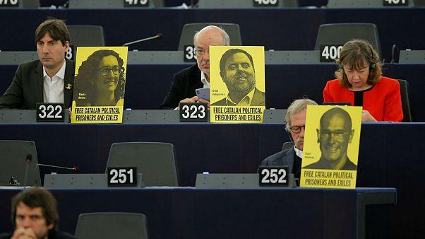 رهبران جداییطلب کاتالونیا برای محاکمه به مادرید منتقل شدند