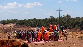 ویدیویی تکاندهنده از لحظه شکستن سد در برزیل