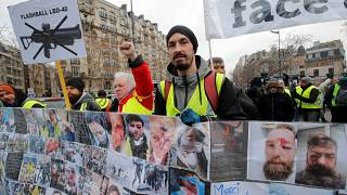 'Gilets jaunes' hold 12th weekend of protests, denounce police violence