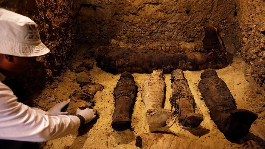 Legalább 40 múmiát találtak Egyiptomban egy ásatáson