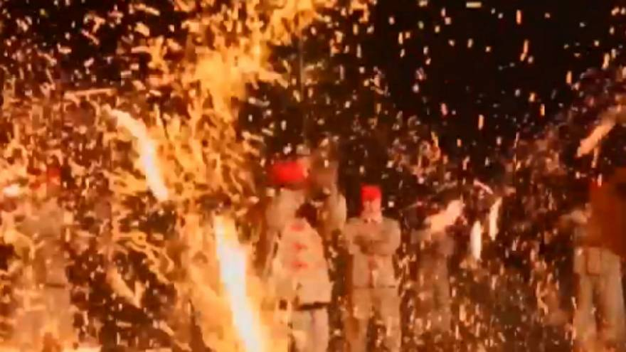 Chine : danses de feu traditionnelles à Taiyuan