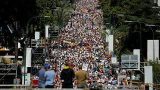 Venezuela'da Maduro yanlısı ve karşıtı gösteriler