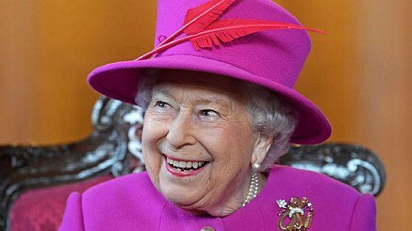 الملكة إليزابيث ملكة بريطانيا - صورة من أرشيف رويترز