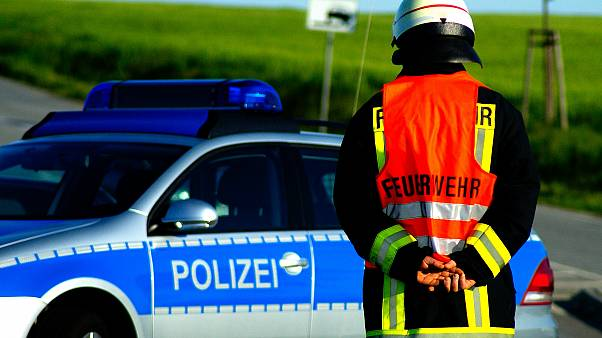 Auto fährt in Boßelgruppe: 8 junge Leute verletzt