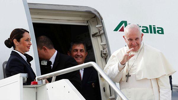 Ferenc pápa megérkezett Abu-Dzabiba