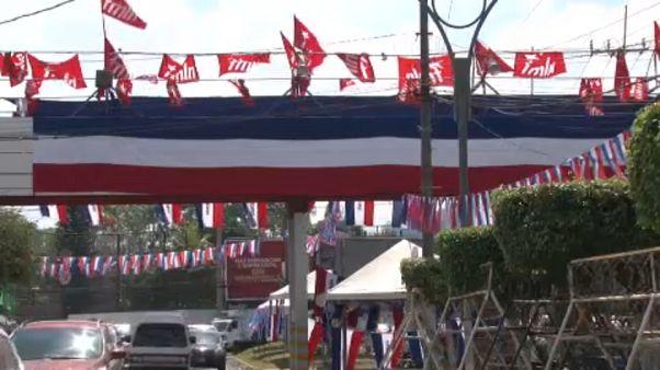 El Salvador al voto: favorito Nayib Bukele