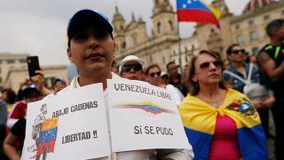 Miles de venezolanos apoyan desde la distancia las protestas contra Maduro convocadas en Caracas