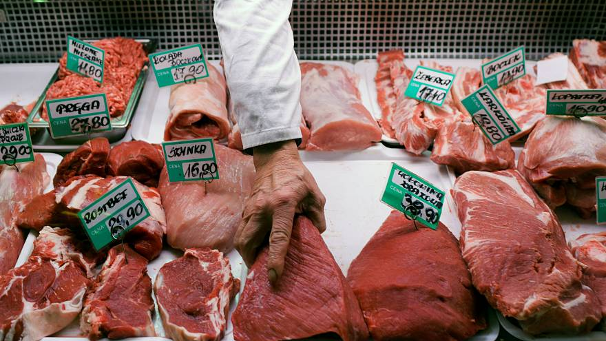 El escándalo tras la venta de carne polaca en mal estado aviva el debate sobre las normas de calidad