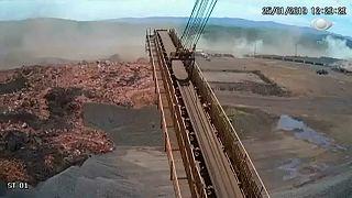 Les images impressionnantes de l'effondrement du barrage au Brésil