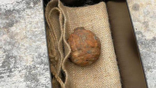 قنبلة يدوية تم العثور عليها داخل شحنة بطاطا