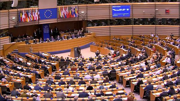 Страны ЕС признают Гуайдо врио президента