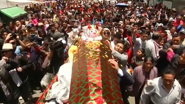 Карнавальный сезон в Боливии