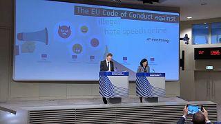 Brüssel will mehr Transparenz im Kampf gegen Hass im Netz