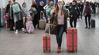 41% российской молодежи хочет уехать на ПМЖ за границу (опрос)