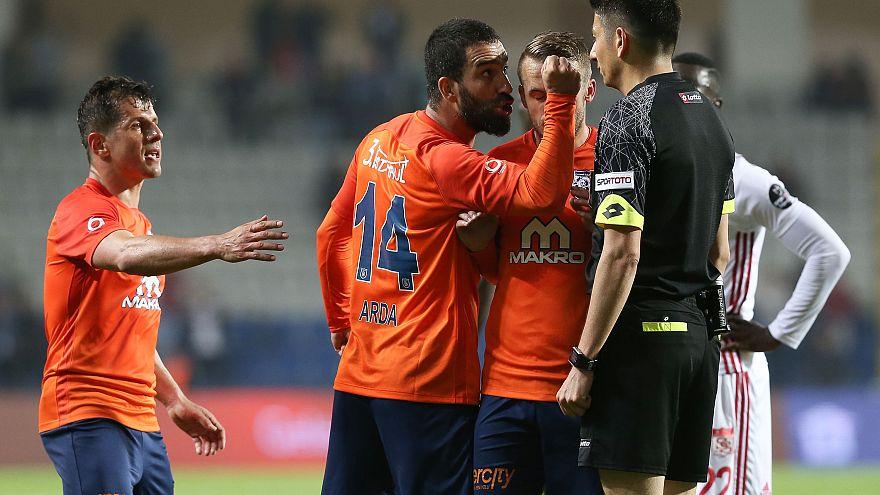 CHP TBMM'de sordu: Halk Ekmek sponsorluğunda Başakşehir'e futbolcu transfer edildi mi?