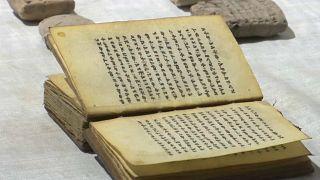 شاهد:  الأردن يعيد للعراق 1300 قطعة أثرية مسروقة