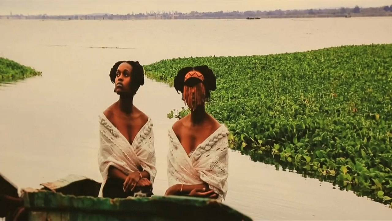Ausstellung: Sethembile Msezane in der Londoner Tyburn Gallery