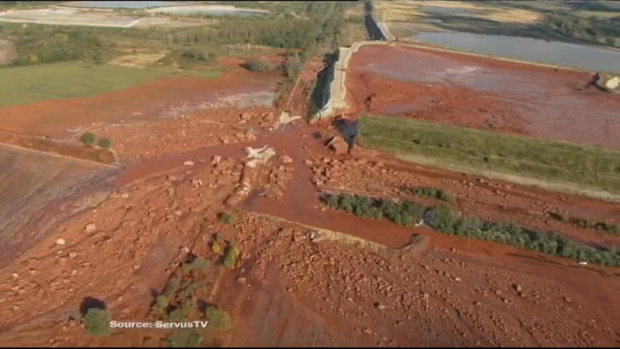 Juiz condena 10 pessoas no caso do desastre de Ajka