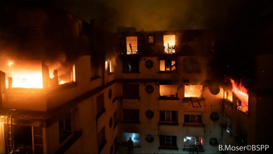 یک زن در ارتباط با آتشسوزی مرگبار پاریس بازداشت شد