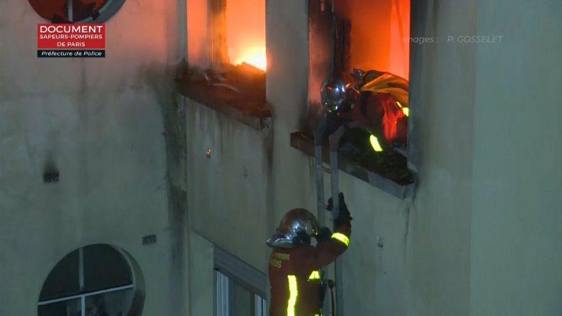 Bewohnerin nach Brand in Paris festgenommen