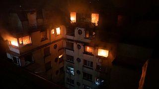 Sokkolta a lakókat a párizsi háztűz
