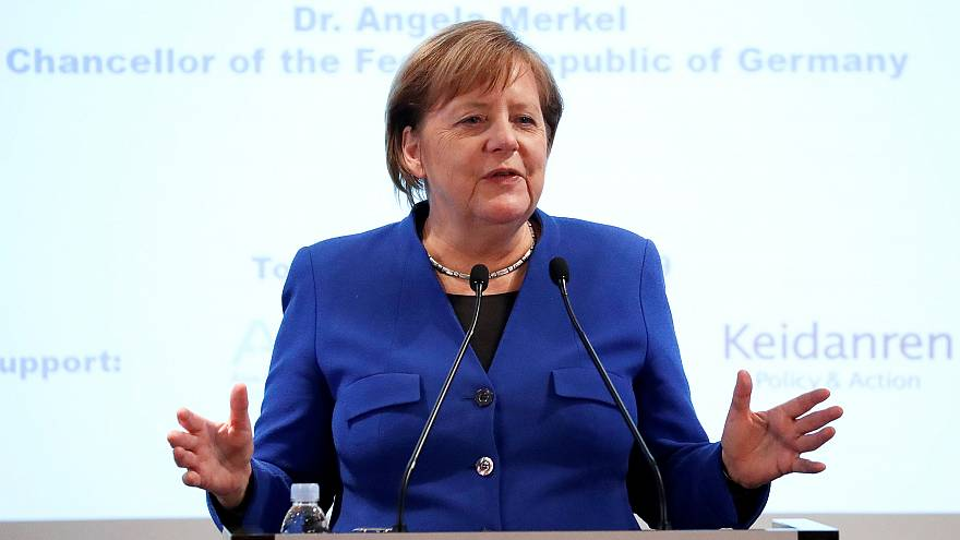 Angela Merkel: Brexit'te çözüm için zaman var