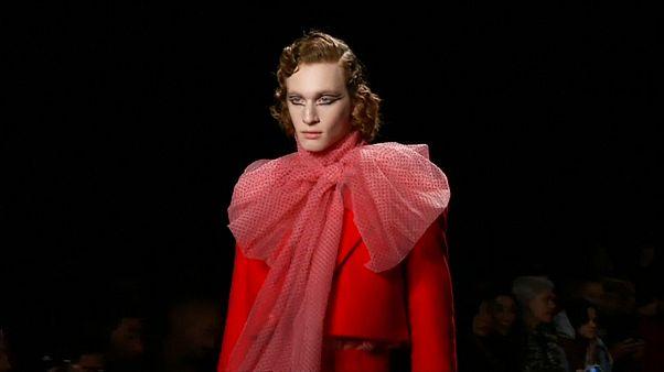 Fashion Week : Alejandro Gómez Palomo revisite les codes de la masculinité