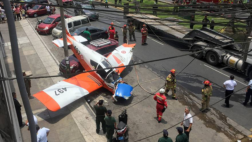 Περού: Αεροπλάνο προσγειώθηκε σε κεντρικό δρόμο
