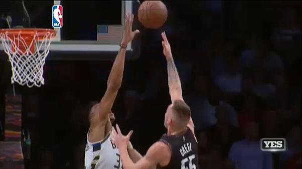 NBA: robog tovább a Millwaukee
