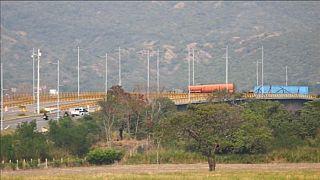 Militares venezolanos bloquean la frontera con Colombia