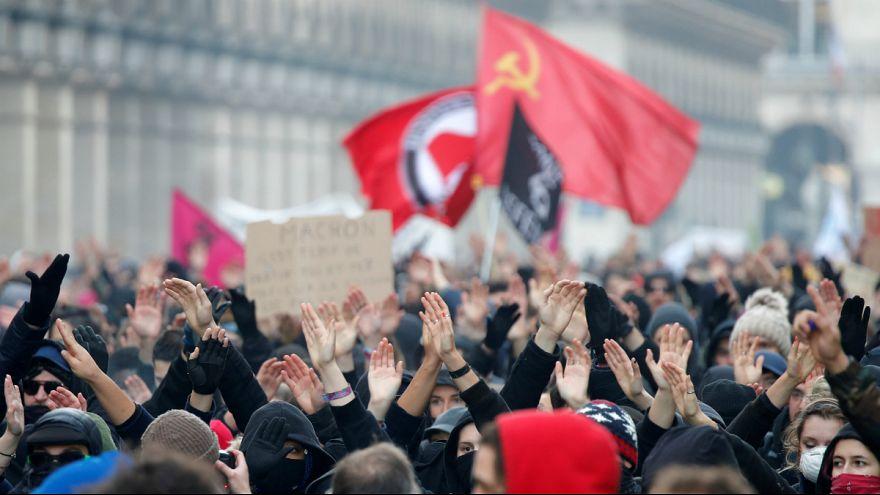 تصویب لایحه بحث برانگیز مقابله با حرکت های اعتراضی در پارلمان فرانسه