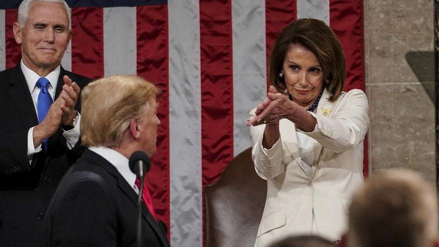 Applaus voller Ironie? Als Trump zum Kompromiss aufrief, klatschte Nancy Pelosi so...