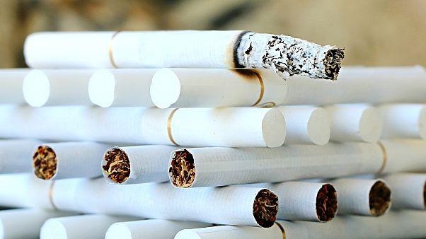 Espagne : Sa dépendance au tabac le prive de ses enfants