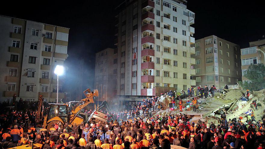 ریزش مرگبار ساختمان هشت طبقه در استانبول