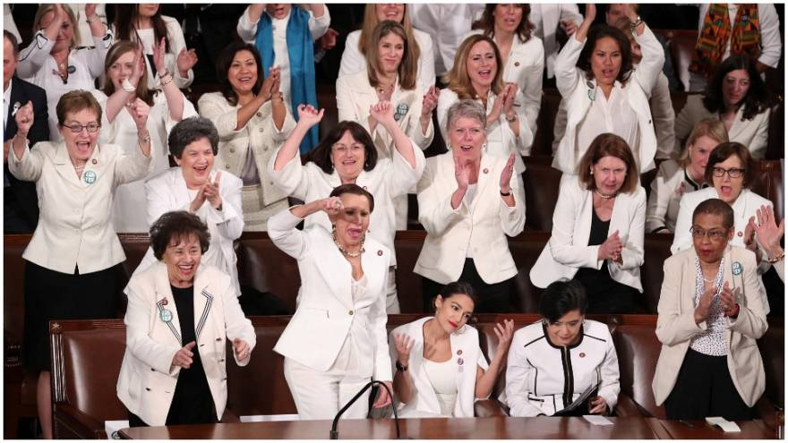 ما مدى صحة ما قاله ترامب عن نسب النساء العاملات في الولايات المتحدة؟