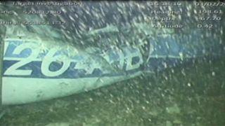 انتشال جثة من حطام طائرة لاعب البريميرليغ إميليانو سالا