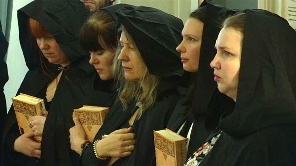 Hexenpower für Putin: Möge die Macht mit Dir sein