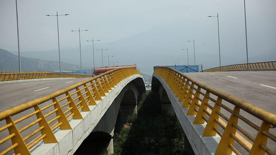 Le pont de Tienditas entre le Venezuela et la Colombie est bloqué