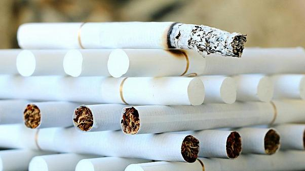 التدخين ليس فقط ضارا بالصحة.. بل قد يفقدك حضانة الأبوّة