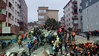 İstanbul Kartal'da çöken bina