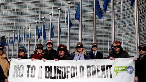 Γιούνκερ σε Μέι: Η συμφωνία για το Brexit δεν θα ανοίξει ξανά