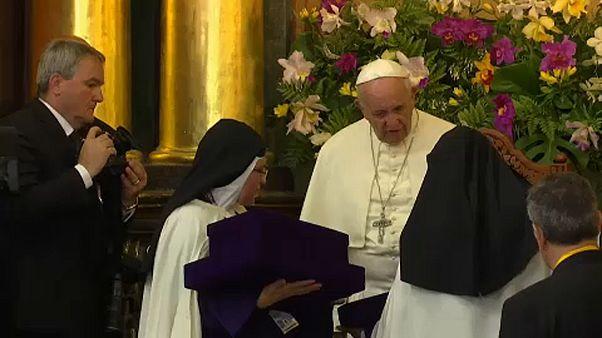 La 'cruz' de las monjas víctimas de abusos sexuales por parte del clero