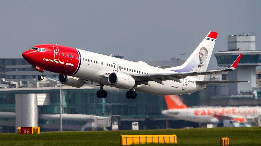 طائرة ايرشاتل تابعة للخطوط الجوية النرويجية