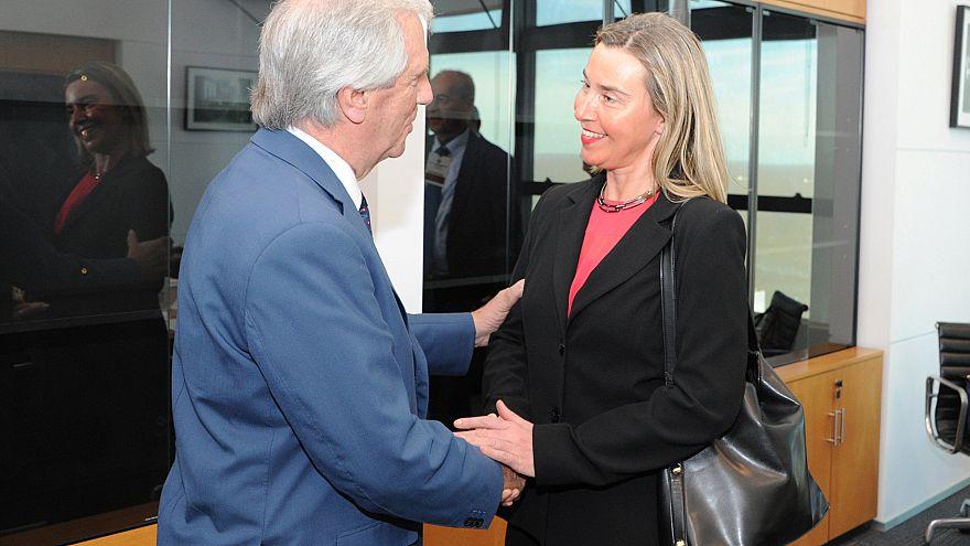 """""""Urge evitar una intervención extranjera en Venezuela"""" advierte Mogherini al grupo de contacto"""