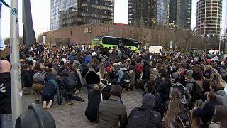 The Brief from Brussels: Schüler-Demo, Ukraine, Nemmouche-Prozess