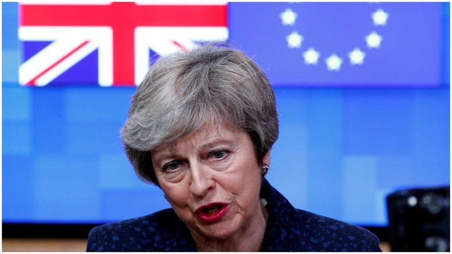 رئيسة الوزراء البريطانية تتحدث إلى الصحافة في مقر المجلس الأوروبي