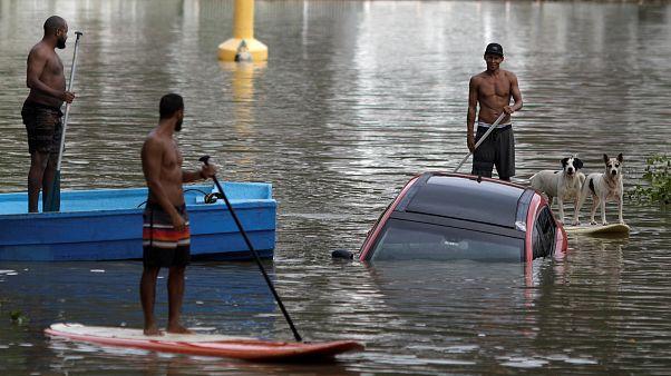 مقتل 6 على الأقل في عاصفة قوية ضربت ريو دي جانيرو البرازيلية