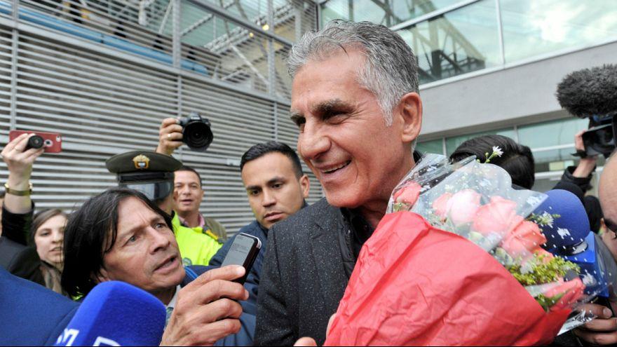 Carlos Queiroz à chegada ao aeroporto El Dorado, em Bogotá