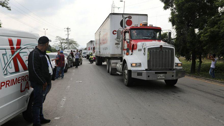 کمکهای بشردوستانه آمریکا به مرز ونزوئلا رسید؛ ارتش مادورو مرز را بست